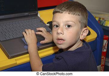 criança, com, computador