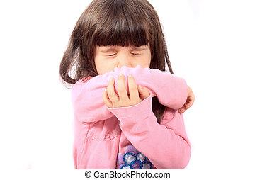 criança doente, espirrando
