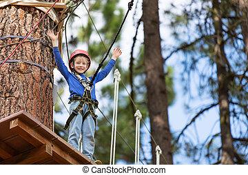 criança, em, aventura, parque