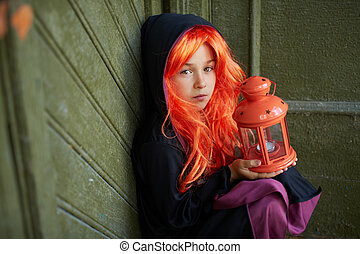 criança, em, dia das bruxas, ornamentar