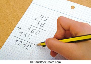 criança, fazendo, um, matemática, multiplicação, em, school.