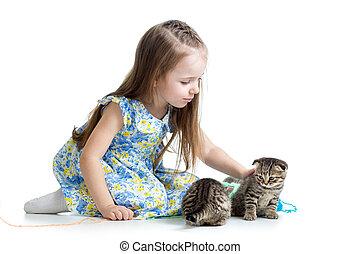 criança, isolado, tocando, fundo, gatinho, menina, branca