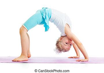 criança, menina, fazendo, ginástica