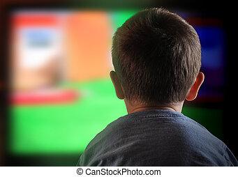 criança menino, olhando televisão, casa