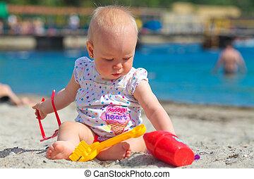 criança pequena, brinquedo, jogado