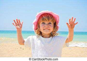criança pequena, menina, mar, sob