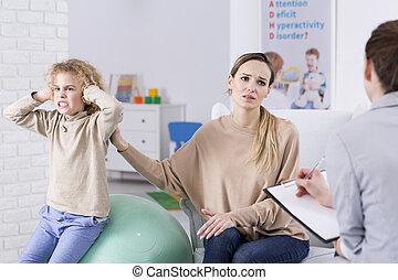 criança problema, e, desesperado, mãe