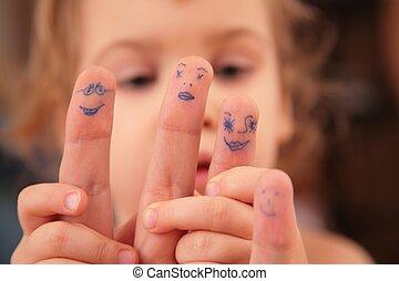 criança, segura, mão, com, desenhado, pessoas