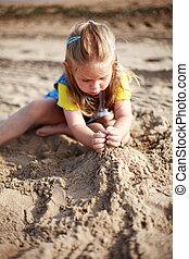 criança, tocando, ligado, praia