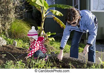criança, trabalhos, jardim, mãe