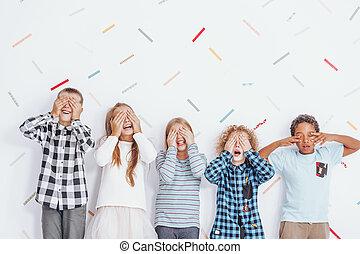 crianças, cobertura, seu, olhos