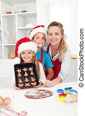 crianças, com, seu, mãe, fazer, biscoitos natal