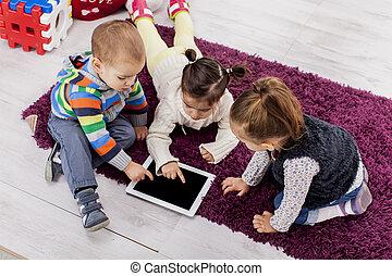 crianças, com, tabuleta