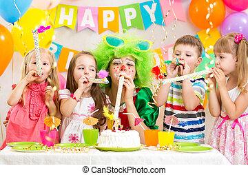 crianças, comemorar, partido aniversário
