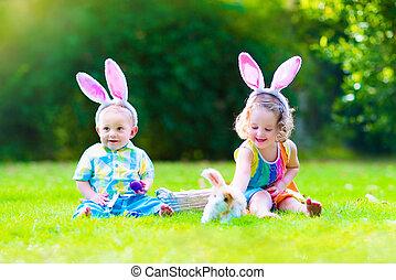 crianças, em, páscoa ovo caça