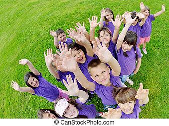 crianças, grupo, natureza, divirta, feliz