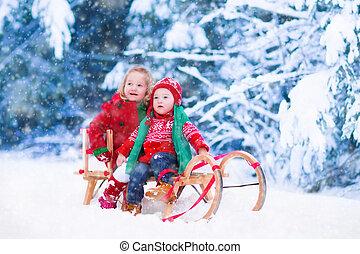 crianças, inverno, passeio, divertimento, sleigh, tendo