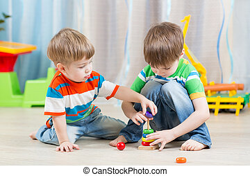 crianças,  ittle, tocando, brinquedos