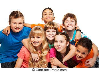 crianças, junto, abraçando, feliz