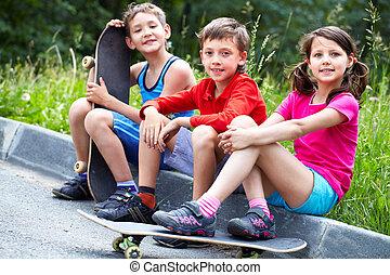 crianças, patinação