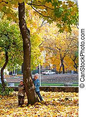 crianças, perto, outono, maple.