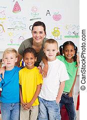 crianças, professor, pré-escolar