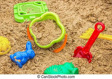 crianças, sandbox, com, brinquedos