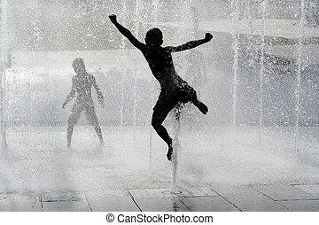 crianças verão, fonte água, molhados, tocando, feliz