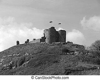 Criccieth Castle B&W