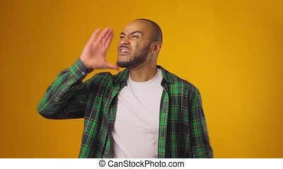 crier, bruyant, jaune, type, dehors, fond, africaine, contre, fou, américain