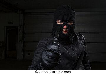 criminal, mascarado, segurando, faca