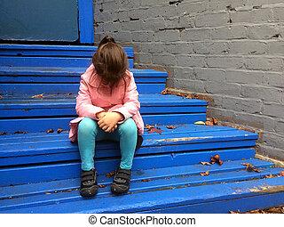 cris, étapes, enfant perdu