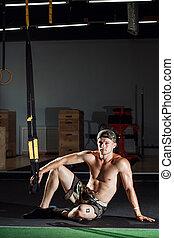 crise, séance entraînement, croix, augmente, trx, fitness, poussée, gymnase, homme