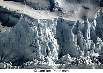 Crisp Antarctic ice