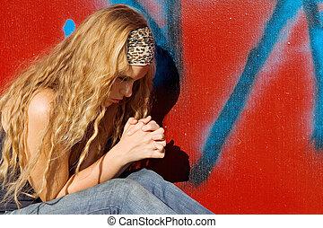 cristão, menina, ou, adolescente, dizendo, orações, mãos apertaram, orando