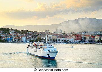 Croatia cruise ship