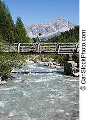 croisement, motard montagne, pont