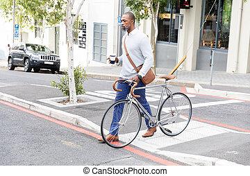 croisement, tenue, sien, américain, vélo, homme africain, rue