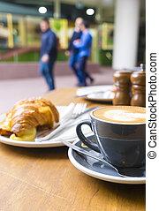 croissant, café, table café