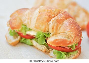 croissant, croissant sandwich