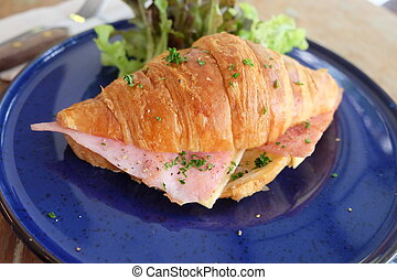 croissant ham cheese