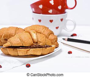 croissants, com, chocolate, ligado, um, prato branco