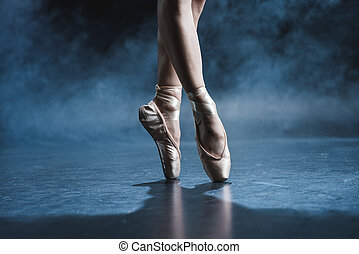 ballet dancer in pointe shoes