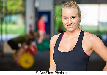 cross-fitness, frau, anfall, turnhalle, sicher, porträt