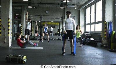 crossfit, gens fonctionnement, gymnase, equipment., jeune, divers, dehors