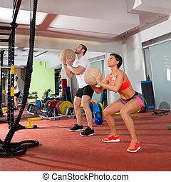 crossfit, kugel, fitness, workout, gruppe, frau mann