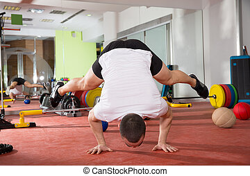 crossfit, séance entraînement, fitness, poussée, équilibre, handstand, augmente