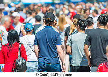 crowd, von, leute, auf, stadtstraße