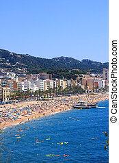 Crowded beach (Lloret de Mar, Costa Brava, Spain)