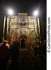 Crowds await entrance to the tomb of Jesus (Edicule) in the Church of the Holy Sepulchre in Jerusalem, Israel